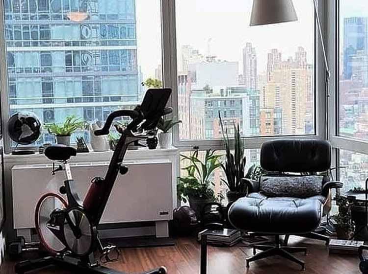 bicicleta Keiser en salon casa